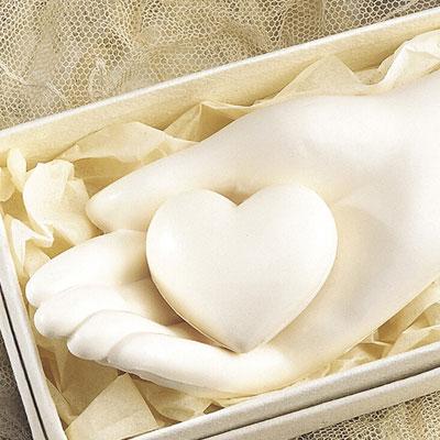 hand_heart_soap